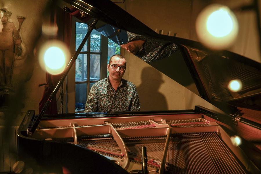joan sanchez at the piano