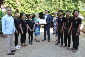 General Manager, Pravin Kumar and HR Director, Mario Mariapan with EGBOK students and their Executive Director, Laurie Parris and Development Manager, Janet Davis