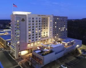 The Hotel at Avalon provides a boutique hotel feel with Southern charm.