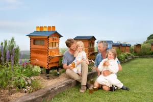 3 generations of Anderson Flow beekeepers and the Flow Hive 2+