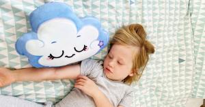 El Cojín Cuentacuentos de Mindfulness tiene una sencilla meditación para niños, el audio se activa al apretarlo, dando a los niños la oportunidad de gestionar sus propias emociones en su propio espacio.