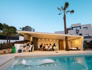 A group of holidaymakers in a Utopia Villas