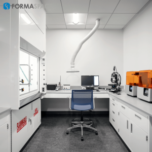 lab with white steelcase and fumehood