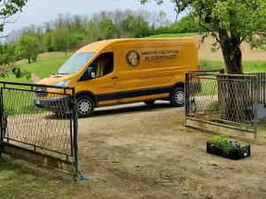The bright yellow van of the Scientology Volunteer Ministers returns this weekend to Croatia to help communities ravaged by the December 2020 earthquake.