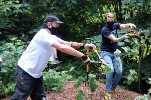The Scientology Environmental Task Force officially adopted Kinnear Park through the Seattle Parks and Recreation program and has contributed thousands of volunteer hours to improving the park.