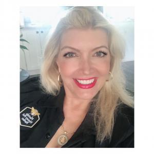 Renee Kirwan is Founder of Florida Honey Pot Farms