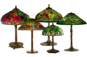 The auction will feature a fine selection of lamps from Tiffany Studios (NY), including an elaborate peony (est. $ 250 to $ 500,000), Dragonfly (est. $ 60,000 to $ 80,000).