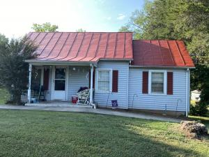 Solid 2 BR / 1 BA house on a 0.5 +/- acre lot - 12'x20 'workshop with air compressor and separate electric meter - Close to downtown Orange and less than 1, 5 thousand from all schools