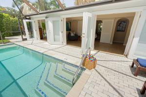 Chatterbox Cottage Pool Vacation Apartment Naples